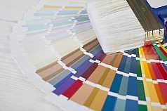 Farbpalette und Pinsel