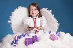 IPTC CAPTION-Field: Kleines Mädchen als Weihnachtsengel
