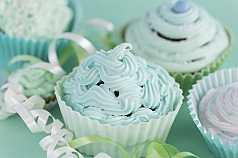 blaugrüne Cupcakes