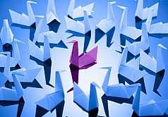 Origami, Schwan aus Papier gefaltet