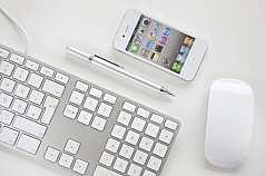 Tastatur, Maus, Handy, Kugelschreiber
