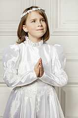 Komunion, Mädchen betend