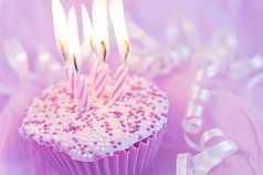 Cupcake mit Kerzen