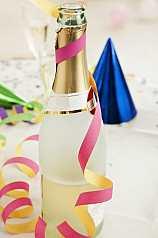 Sektflasche mit Luftschlange