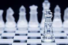 Schachspiel aus Glas
