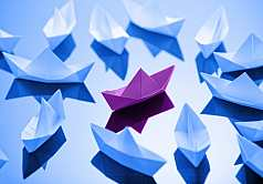 Origami, Boot aus Papier gefaltet