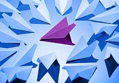 Origami, Flieger aus Papier gefaltet